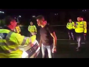 Detalii socante din dosar scandalului in trafic! Ce s-a intamplat cu adevarat in momentul in care Boureanu a fost scos din masina de agentul de politie!
