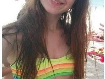 Ea este Delia, tanara de 16 ani care s-a sinucis din dragoste! Parintii au mai primit o lovitura dupa moartea fetei