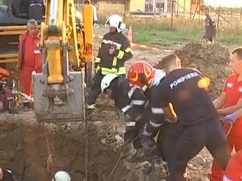 Tragedie in Sibiu! Un tanar de 28 de ani a murit! Barbatul a fost prins sub un mal de pamant