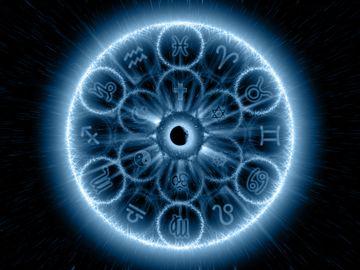 Horoscop zilnic SAMBATA 11 AUGUST 2018. Tu ce primesti de la a 3-a eclipsa de azi?