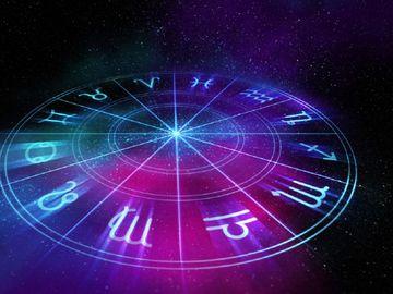 Horoscop zilnic MIERCURI 15 AUGUST 2018. Fii cu cei dragi astazi!