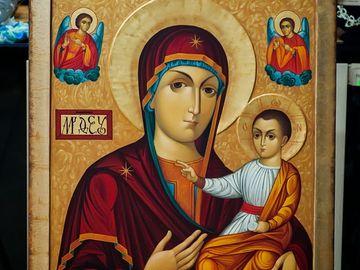 Minuni la pelerinajul de Sfanta Maria, de la Manastirea Nicula. S-au tratat de boli grave dupa ce s-au rugat la icoana care plange