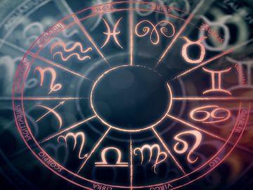 Horoscop zilnic VINERI 17 AUGUST 2018. Este o Vineri NOROCOASA, afla de ce!