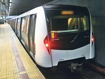 Panica la metroul din Bucuresti! Un calator s-a aruncat in fata trenului