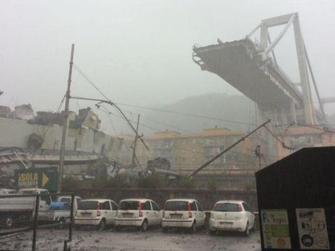 Video dramatic cu momentul prabusirii podului din Genova! Ce au inregistrat camerele de supraveghere