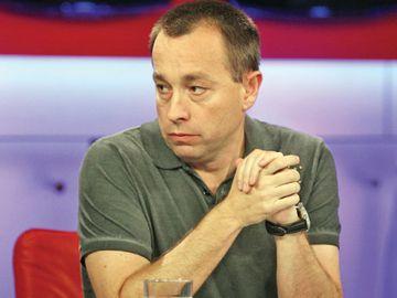 """Tolontan, reactie in cazul VIVA - Elena Udrea: """"As fi pus pe coperta cuvantul fugara"""""""
