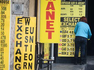 Curs BNR 12 septembrie. Cursul valutar BNR: Leul pierde teren in fata Euro
