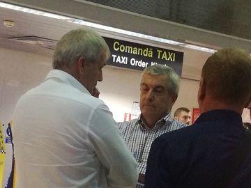 "Un protestatar s-a dus la Tariceanu, in aeroport, si i-a spus: ""Sa-ti fie rusine""- Cum a reactionat imediat politicianul"