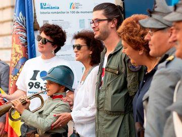 Moment emotionant la evenimentul Expoziţia România 100. Un copil de 1 an a impresionat bucurestenii