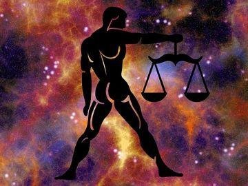 Horoscop zilnic DUMINICA 23 SEPTEMBRIE 2018. Intram in zodia Balantei!