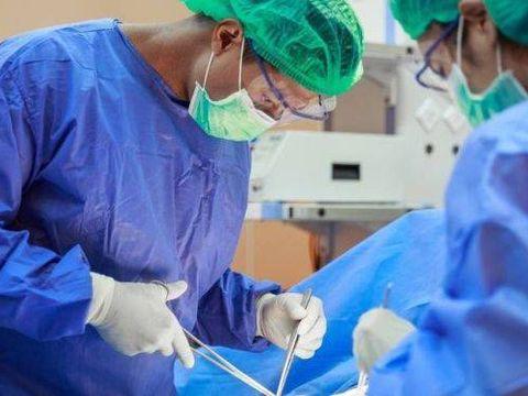 Patru oameni au făcut cancer de sân după ce au primit organe de la acelaşi donator