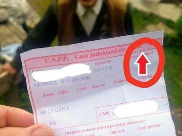 Situaţie tristă pentru bătrânii din România. Ce scrie pe talonul de pensie al unui pensionar amărât de la ţară?