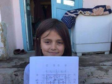 Veşti bune pentru Roxana, fetiţa din Vaslui care visează să mănânce şi ea piure cu pui şi biscuiţi!