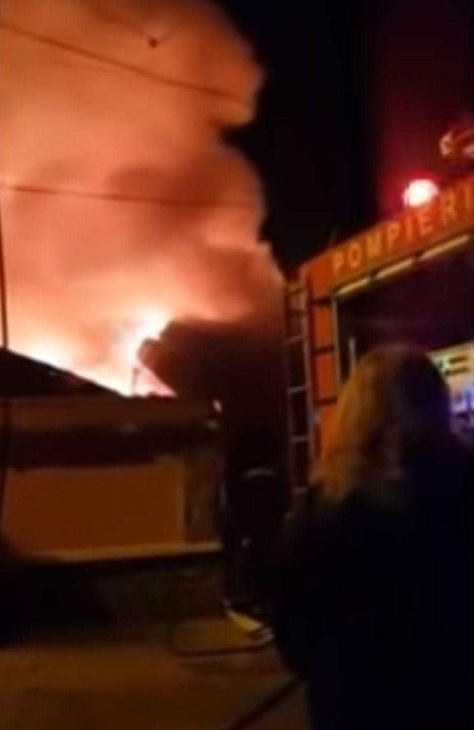 Panică în Bihor! Un incendiu de proporţii a avut loc, iar mai multe persoane au fost evacuate