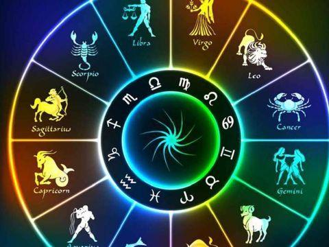 Horoscop zilnic MIERCURI 24 OCTOMBRIE 2018. O zi cu o energie speciala! Luna plina si start de Scorpion!