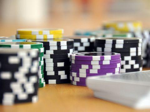 A pierdut două milioane de euro la jocuri de noroc, dar a primit înapoi toţi banii! Ce dovezi a adus în faţa judecătorului ca să scape