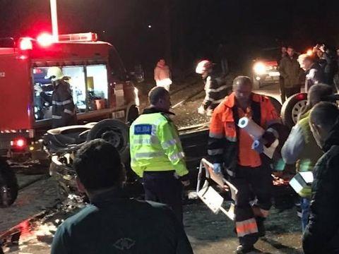 Accident îngrozitor în Arad. Doi tineri au murit, după ce au sărit de la 9 metri, cu maşina, de pe pod