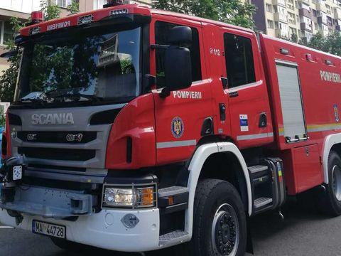 Incendiu la un liceu din Hunedoara! Peste 800 de elevi şi 30 de profesori, evacuaţi