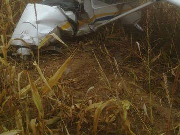 Un avion s-a prăbuşit în Argeş! Imagini şocante de la faţa locului