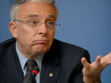 Avertismentul lui Mugur Isărescu legat de salarii! Guvernatorul BNR a tras un semnal de alarmă