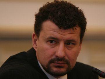 """Doliu în lumea politicii! A murit Mihai Ispas, """"umbra lui Iliescu"""" de la Revoluţie"""