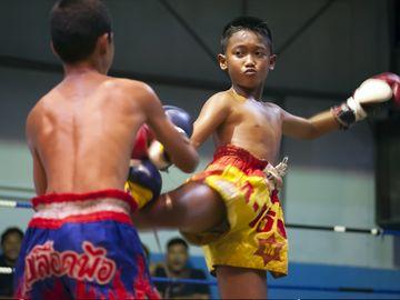 A murit după ce a fost făcut KO într-un meci de kickboxing. Avea doar 13 ani