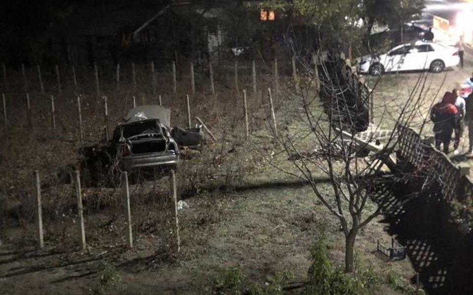 Accident spectaculos în Dolj! Un tânăr de 27 de ani a scăpat cu viaţă, după ce s-a rostogolit cu maşina de câteva ori