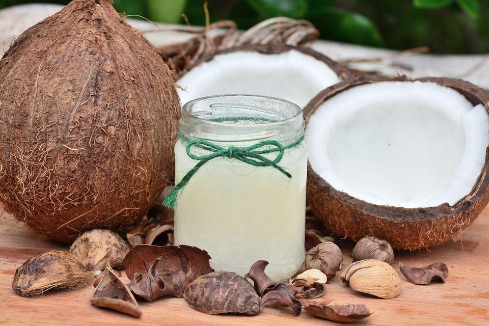Uleiul de cocos te poate întineri cu 10 ani. Trebuie să-l foloseşti în acest mod timp de două săptămâni