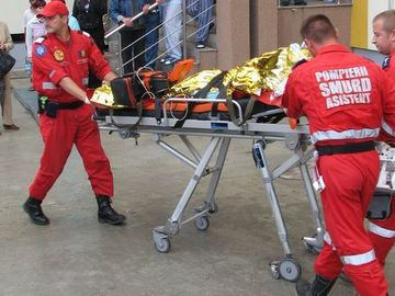 A murit femeia rănită în explozia din Mureş! S-a stins pe patul de spital, după ce a ajuns la Bruxelles