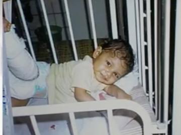 O mamă şi-a lăsat abandonat copilul de doar un an într-o casă părăsită. 10 ani mai târziu s-a întors şi a făcut o descoperire incredibilă