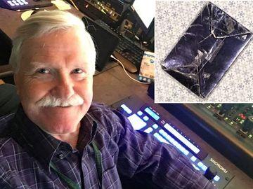 Adrian a păstrat timp de 48 de ani un cadou de la fosta lui iubită fără să îl deschidă!