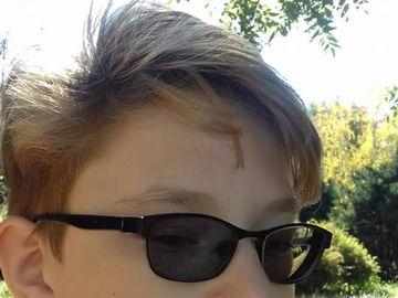 Luca are 12 ani şi a dispărut de la şcoală. Părinţii sunt diperaţi, îl caută şi-n gaură de şarpe. Voi l-aţi văzut?