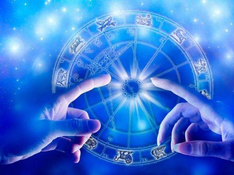 Horoscop zilnic: Horoscopul zilei pentru JOI 6 DECEMBRIE 2018. Mercur iese din retrograd!