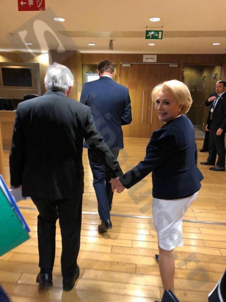 Fotografii uimitoare cu Viorica Dăncilă! A fost surprinsă în timp ce se ţine de mână cu Jean Claude Junker