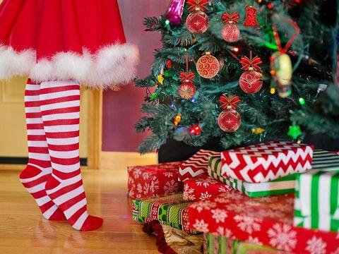 Urmează să-ţi cumperi decoraţiunile de Crăciun? Află ce pericole pot ascunde acestea