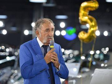Ion Ţiriac şi-a completat colecţia de maşini cu un automobil fabricat în 1935! Miliardarul l-a restaurat timp de un an, iar rezultatul este excepţional! FOTO