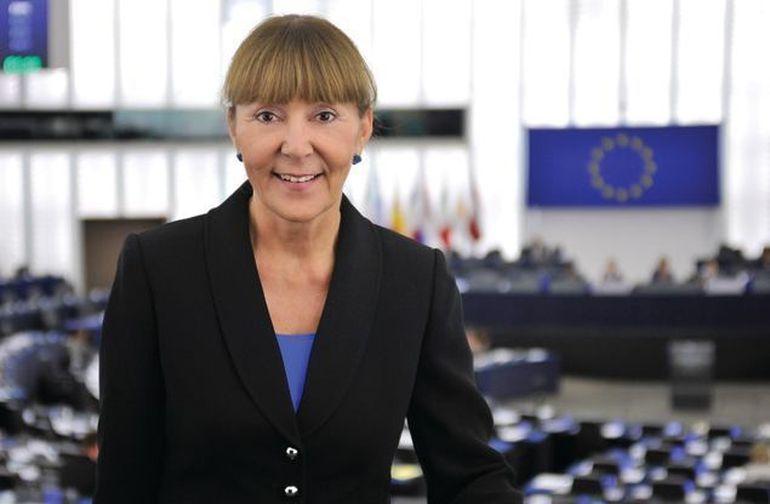 Monica Macovei şi-a închiriat vila din Corbeanca! Vezi câţi bani a câştigat europarlamentarul! DEZVĂLUIRI