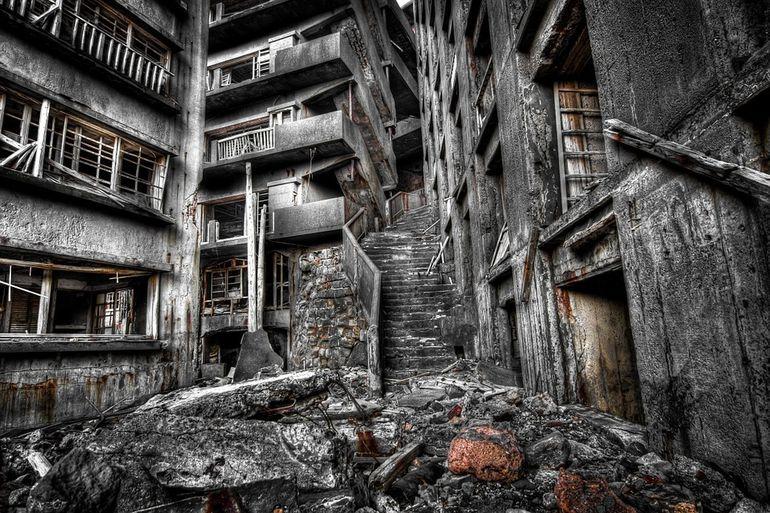Explozie de proporţii într-o mină! Cinci oameni au murit, iar alţi opt sunt răniţi