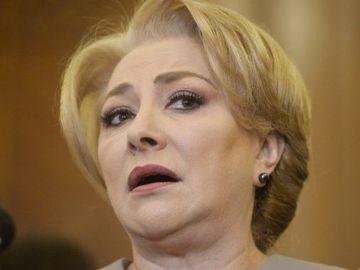 """Viorica Dăncilă, bătută în plină stradă: """"Un consilier PD a coborât din maşină şi m-a lovit"""""""