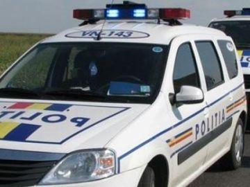 O autospecială de Poliţie, implicată într-un accident grav! Un poliţist a fost rănit