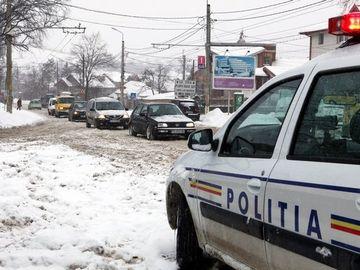 Atenţie, şoferi! Puteţi fi amendaţi şi dacă aveţi anvelope de iarnă! Câţi bani veţi scoate din buzunar