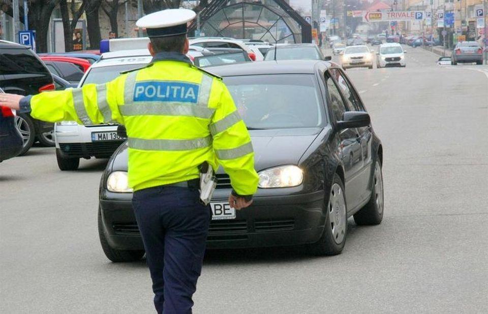 Măsura pe care trebuie să o afle toţi şoferii! Ce se va întâmpla cu cei prinşi cu telefonul la volan