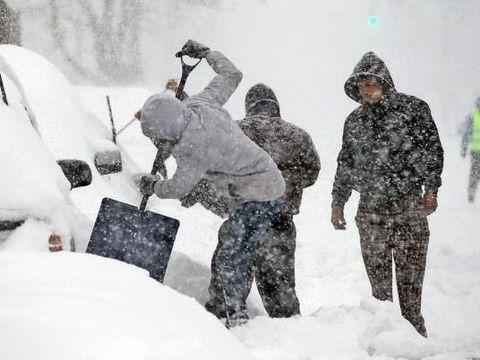 Cât va mai ninge în Bucureşti. Anunţul meteorologilor