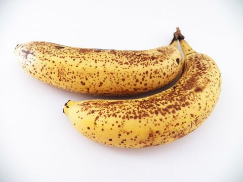 Tu mănânci banane cu coajă neagră? Uite ce se întâmplă în organismul tău