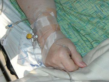 O femeie din Slatina, tratata de medici de cancer, deşi nu suferea de o astfel de maladie! Acuzaţii grave la adresa personalului medical
