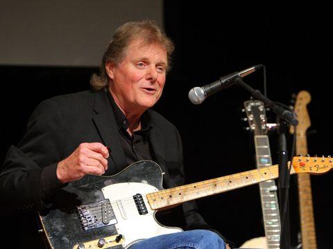 Doliu în lumea muzicii! A murit un artist legendar! A fost chitaristul lui Elvis Presley