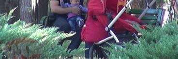 Giulia, iti lasi sotul sa bea din lapticul bebelusului?