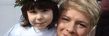 "Maia, fiica lui Teo Trandafir: ""O iubesc pe mami pentru ca m-a crescut de mica si ca nu m-a lasat la camin"""