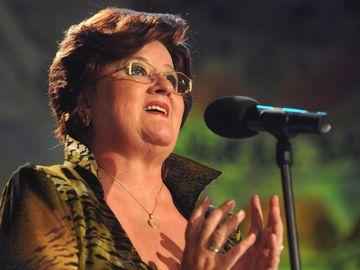 """Marioara Murarescu, acuzata ca a ignorat in emisiunea ei nume mari din muzica populara! Cat de dur raspunde realizatoarea: """"Nici daca as fi omorat-o pe mama nu mi se facea o astfel de campanie! Nu toti interpretii erau in stare sa cante live!"""""""