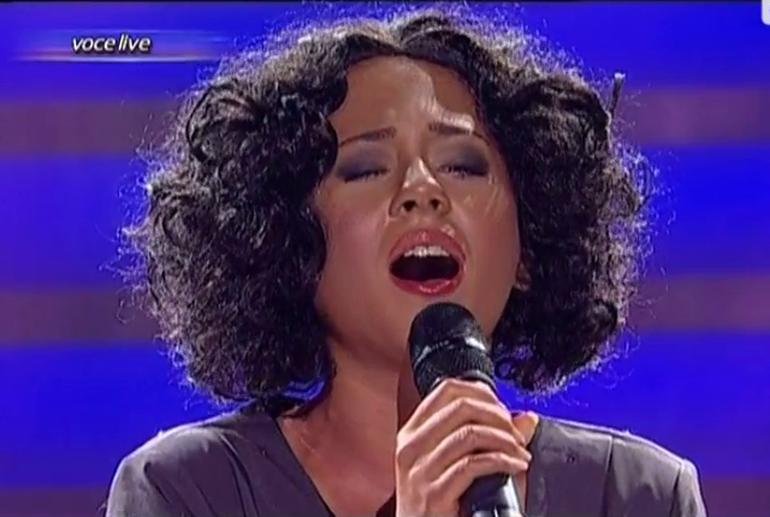 VIDEO Ea este adevarata voce a Romaniei! Uite-o pe Nicole Cherry cum o imita pe Whitney Houston - O sa ti se faca pielea ca de gaina
